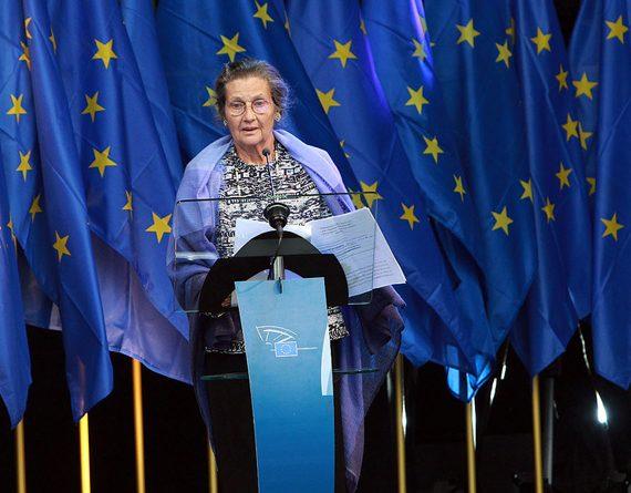 Comment Simone Veil a ouvert la voie aux femmes en politique