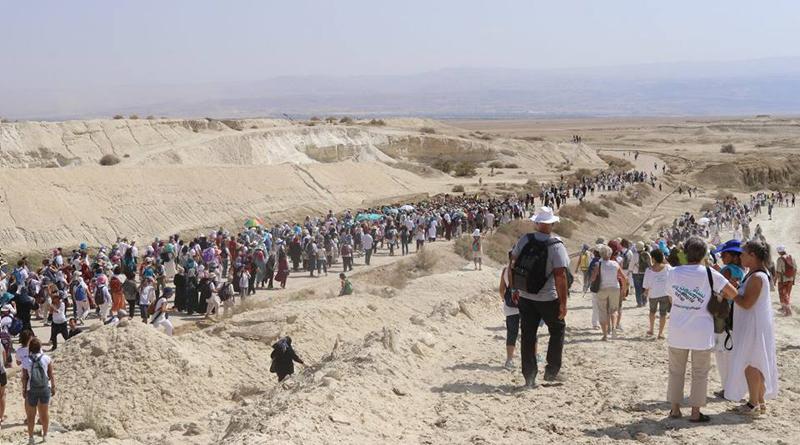 Ces femmes se sont rassemblées à l'appel du mouvement Women Wage Peace, pour promouvoir la paix entre Israéliens et Palestiniens.